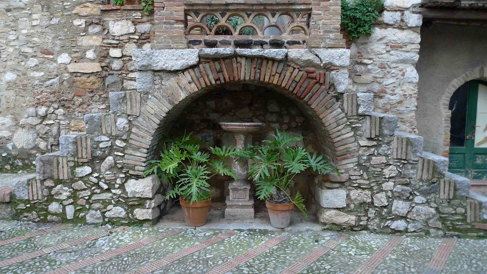 Jeffrey Bales World of Gardens The Gardens of Southern Italy
