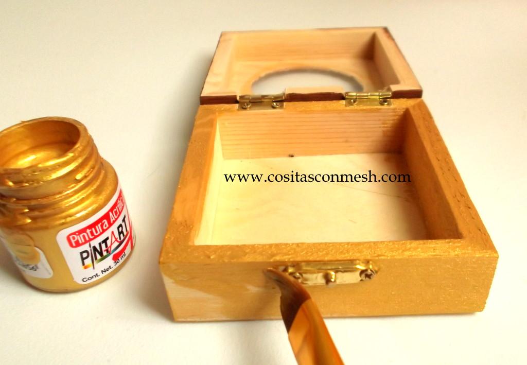 Como pintar y decorar una caja de madera cositasconmesh - Pinturas de madera ...