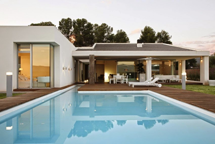 Casa gora estilo minimalista vic projects espa a for Viviendas estilo minimalista