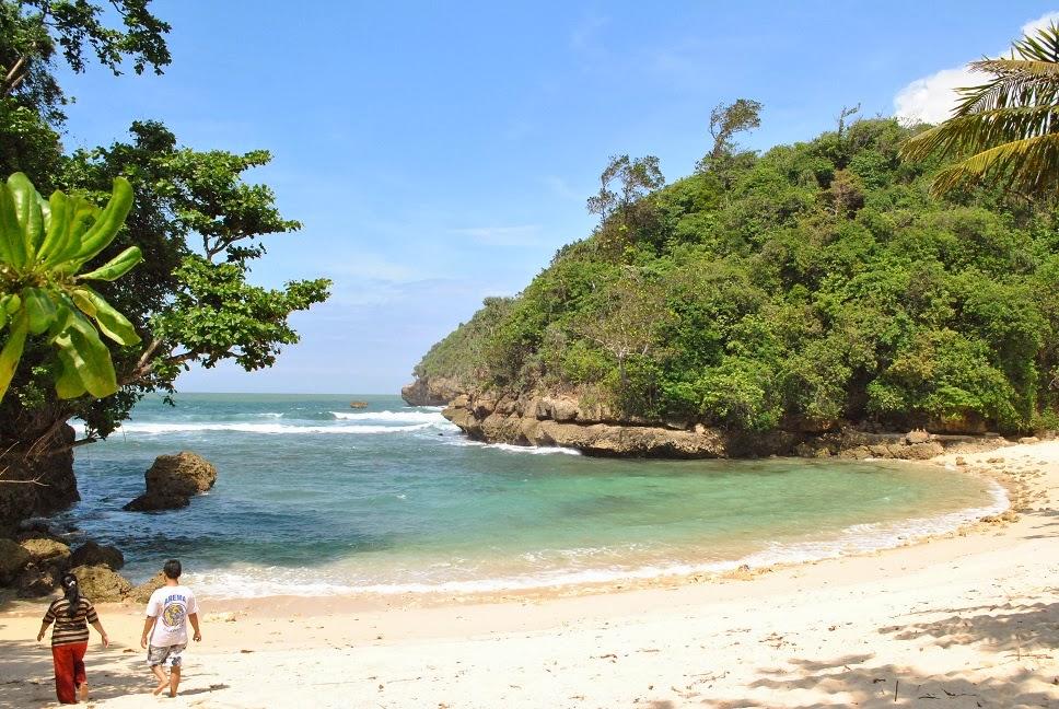 Daftar Wisata Pantai Malang - Pantai Ngliyep