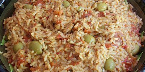 Light and fluffy Spanish rice with olives
