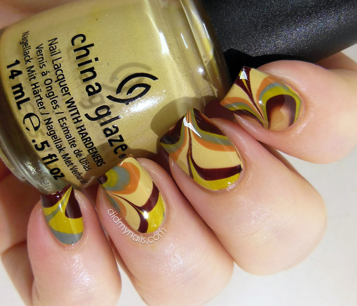 retro water marble nails