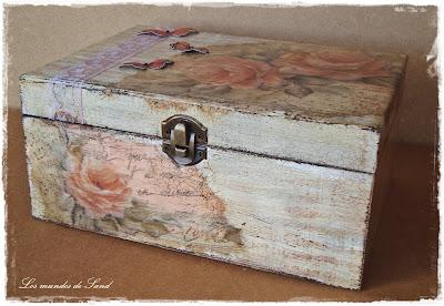 Caja con decoupage y decapado aprender manualidades es - Decapado sobre madera ...