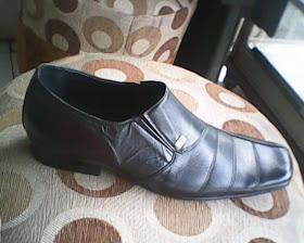 sepatu bally yang di lihat dari sisi kanan