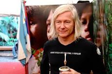 Helga König im Gespräch mit dem argentinischen Maler Helmut Ditsch