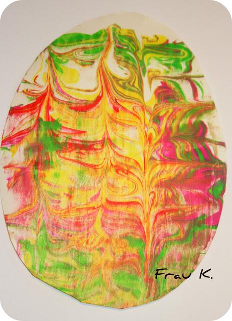 Osterei mit Rasierschaum basteln / färben