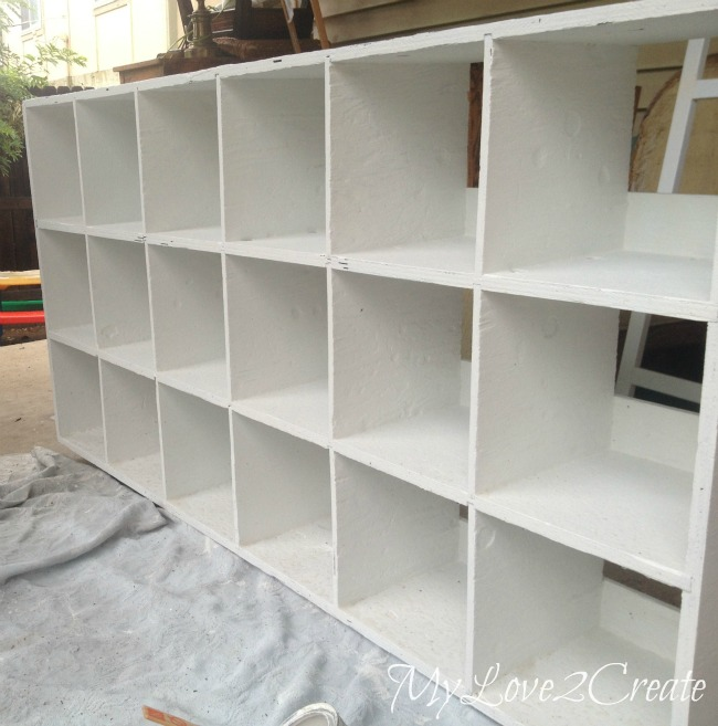 MyLove2Create, Cubby Shelf Revamp, cracks filled in and repainted