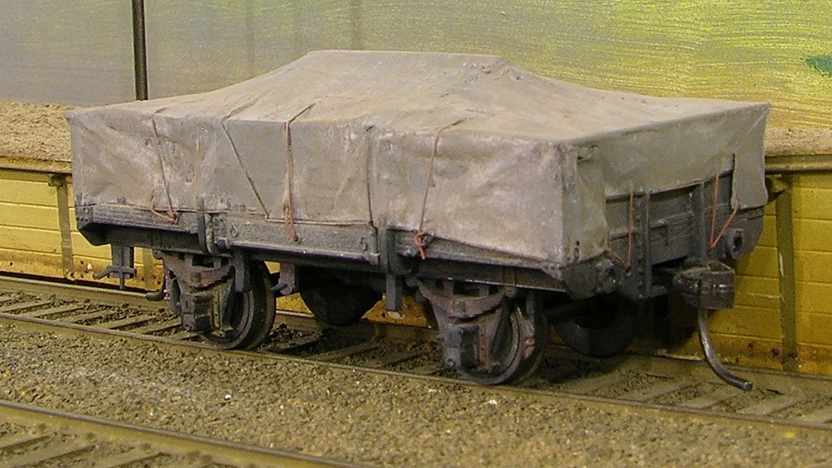 N or Small HO OO LIGHT GREY Tarped Covered Sheeted Model Road /& Railway Load