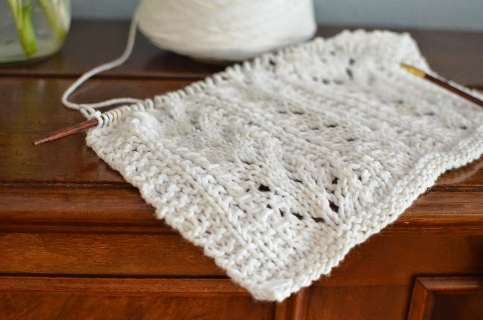 http://www.ravelry.com/patterns/library/seashore-cowl-2