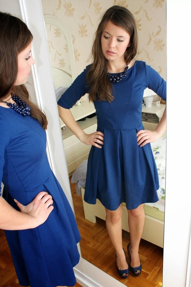 http://wswoimstylu.blogspot.com/2013/12/rozkloszowana-sukienka-dla-jakiego-typu.html