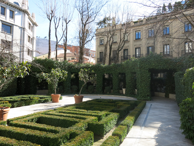 Jardines del marqu s de la casa riera en alcal 44 for Casa jardin madrid