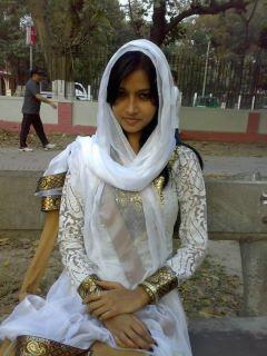 Latest pakistani local girls telugu tamil kerala malayalam aunties hot gallery - Indian nice girl wallpaper ...
