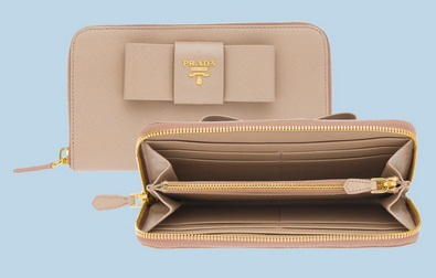 Gorgeous Prada wallets at Amazing prices~! Pre-order now!