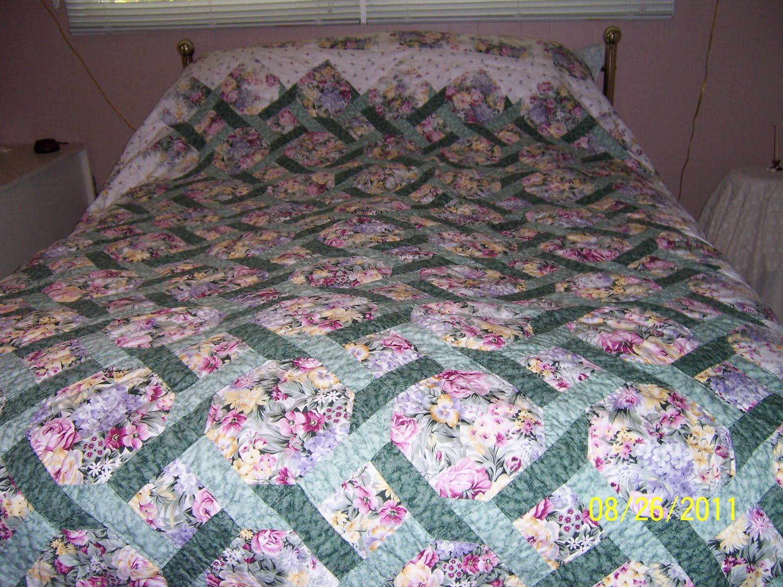 Trellis quilt pattern teaginny designs trellis quilt for Garden trellis designs quilt patterns