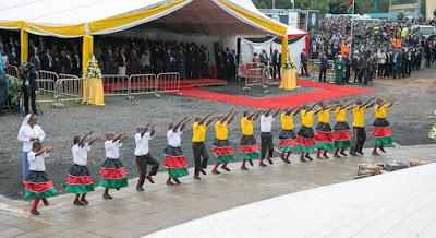 images pope francis visits kenya