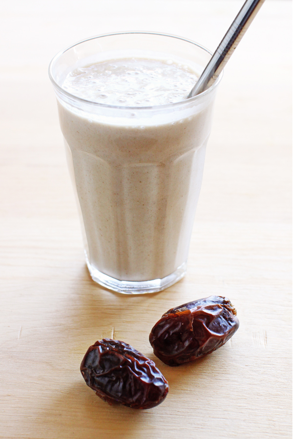 Healthy date shake with no artificial ingredients (vegan & gluten-free)