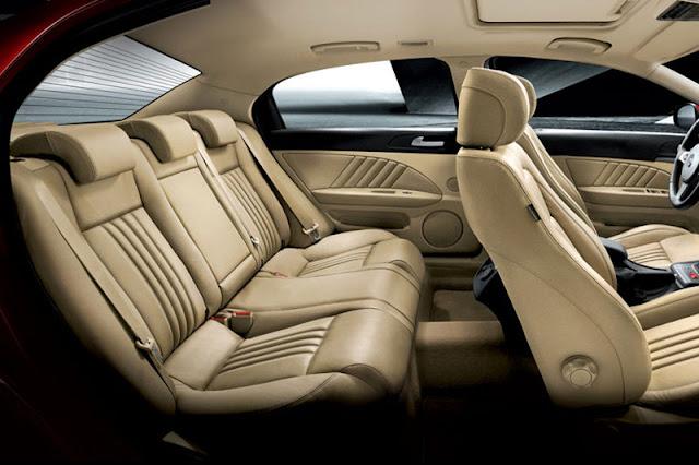 2012-Alfa-Romeo-159-Interior-back