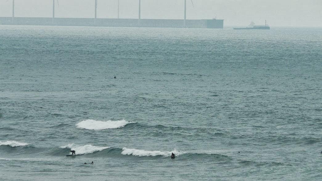 tablonero pillando una ola