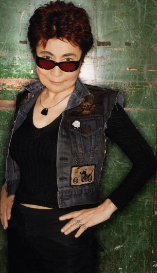 Sesión de foto de Yoko Ono