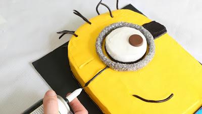 Festa aniversário infantil Minions 2014 bolos, convites, docinhos