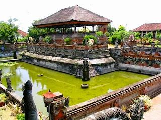 Bali Kertha Gosa Bale
