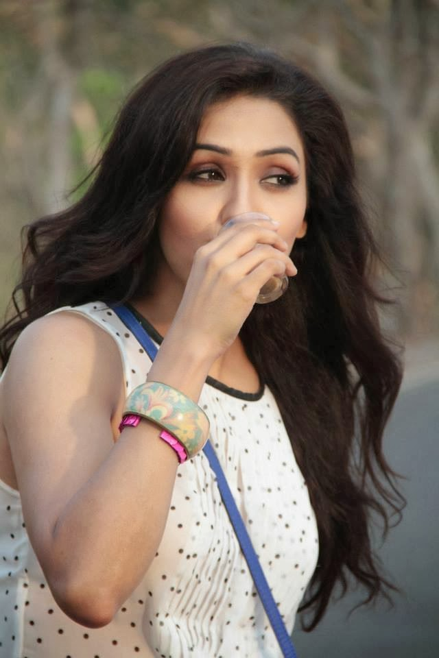 Urstruly Suresh Neeti Mohan Bollywood Playback Singer