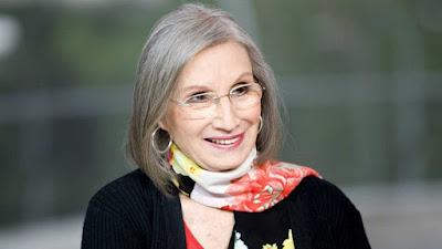 Actriz, directora y autora teatral, Anillos de Oro, Segunda Enseñanza
