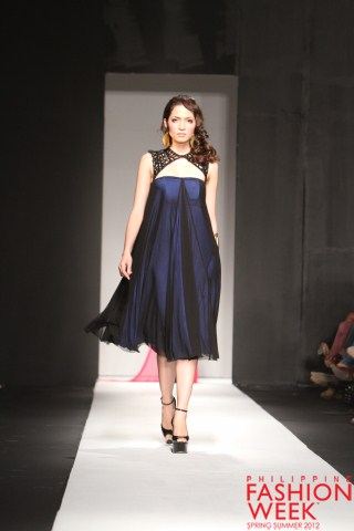 Philippine Fashion Week Spring/Summer 2012 - Sony Luxewear ...