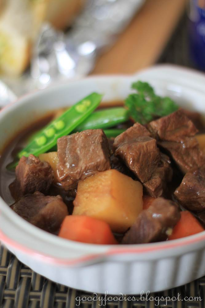 GoodyFoodies: Recipe: Beef Stew with Beer and Paprika (Ree ...