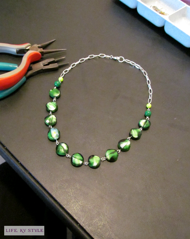 https://www.etsy.com/listing/214506915/green-beaded-single-strand-necklace?ref=shop_home_active_20