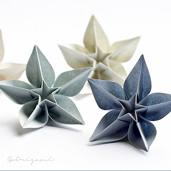 DIY ORIGAMI   Beautiful Paper Ornaments For Christmas