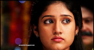 Akhila Sasidharan rare navel show