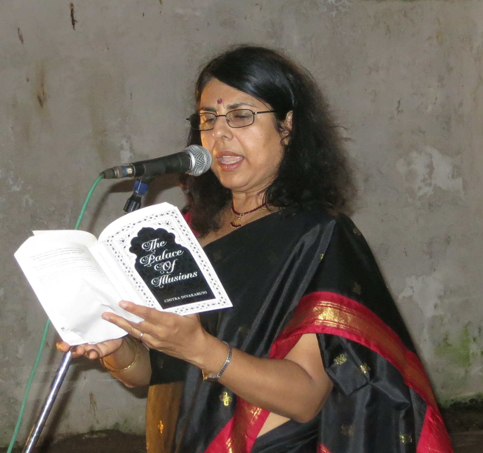 chita banerjee divakaruni author and poet english literature essay Category: literary fiction  the questions, discussion topics and author  biography that follow are designed to  in the mistress of spices, divakaruni  tells the story of tilo, a young woman born in  what passages of the novel  resemble poetry  her doctoral studies in english at the university of california  at berkeley.