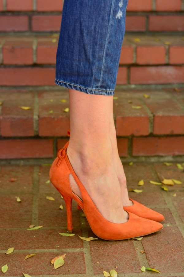Los Angeles Style Blogger, Pointed Heels, BCBG, Paige Denim Boyfriend Jeans