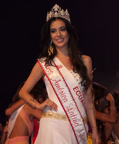 Estefani Chalco from Ecuador was crowned Miss Latin America in the World 2011