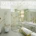 Metais dourados em banheiros e lavabos - veja lindos ambientes com essa tendência!