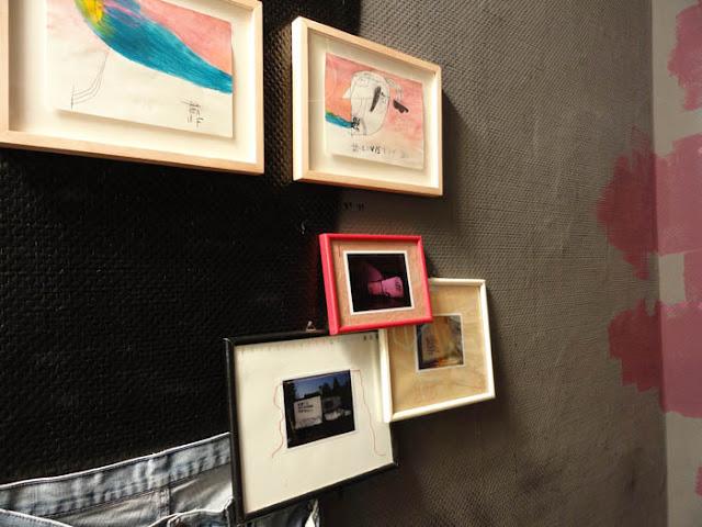 Gibbs Rosas Installation in Galerie KLOT, Berlin