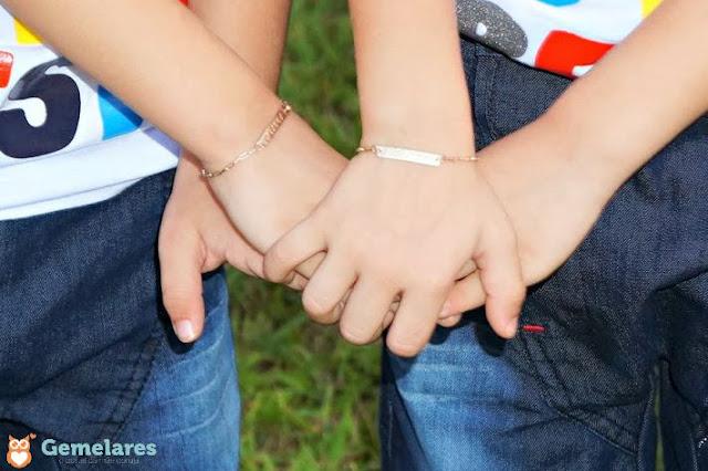 Como diferenciar bebês gêmeos idênticos - 5 Dicas e 1 conselho