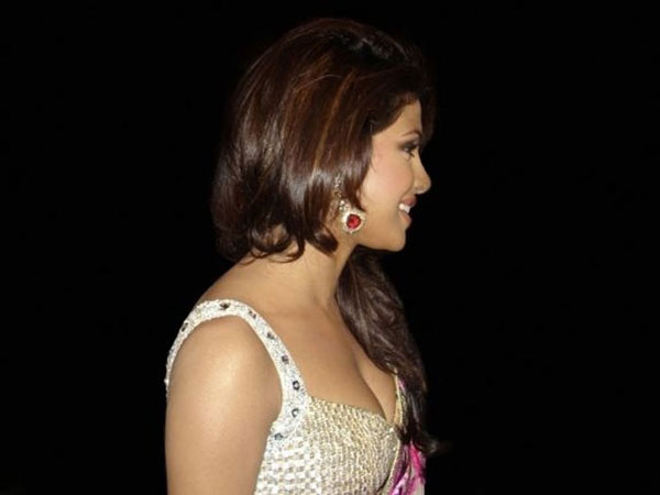 priyanka chopra spicy cute stills