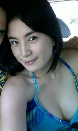 More Photos of this Pinay Celebrity->>