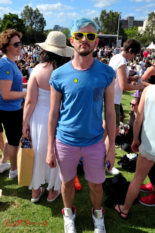 Green shades, blue tee, mauve shorts and white Hi-Top seekers, Newtown Festival, Fujifilm X-Pro1,