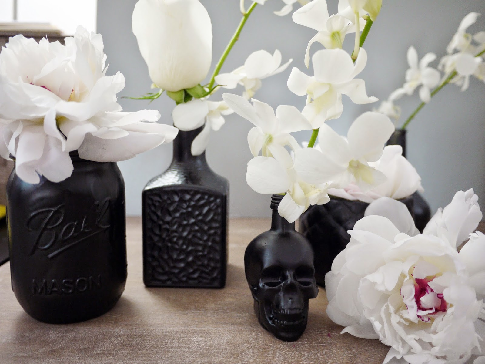 Neato bonito diy black matte vases for this post i was inspired by all the weddings this season lots of diy chic weddings ive attended and have seen on my friends feeds mightylinksfo Image collections