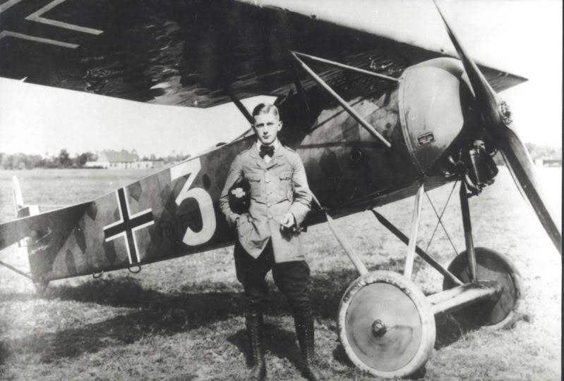 Hans+Goerth+FokkerEVMFJIII.jpg