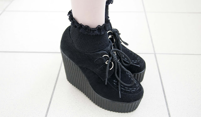 wedge, creepers, london, socks, frills