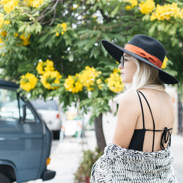 Minimal Cool Style on Fashion Blogger Stone Fox Style wearing Oak + Fort and Everlane