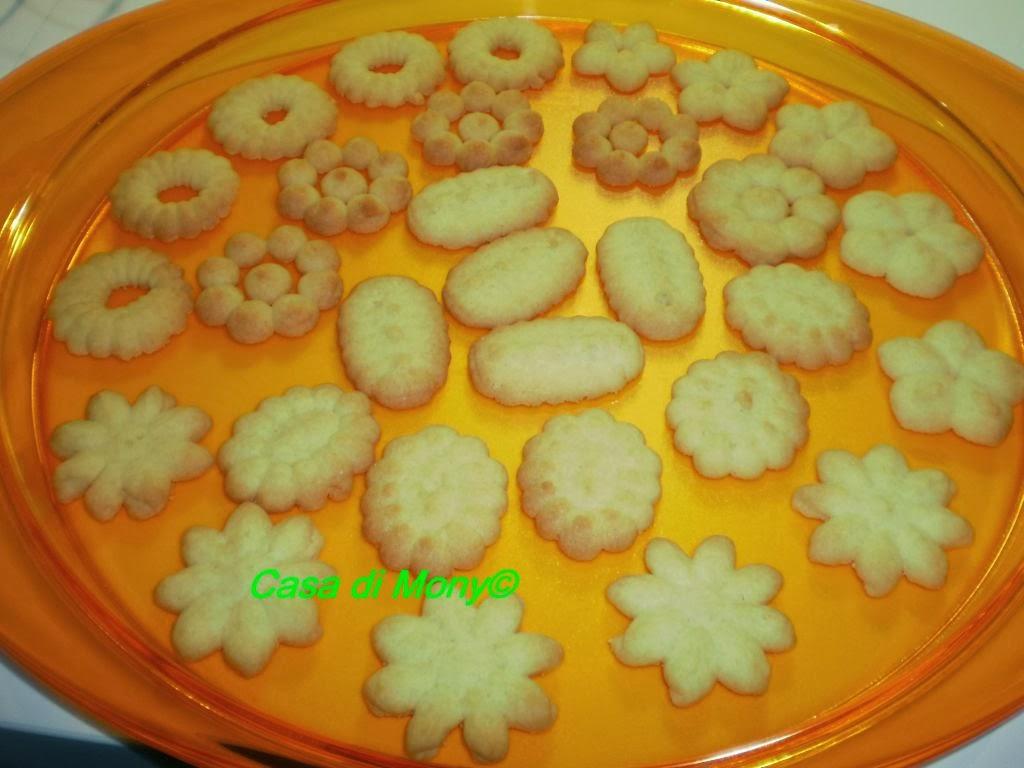 biscotti con la spara biscotti - pasta frolla montata
