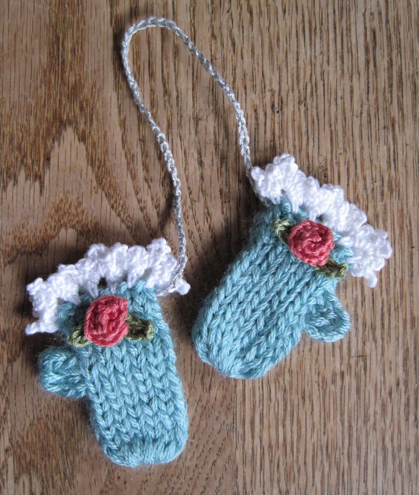 Mr. Micawbers Recipe for Happiness: Making Winter: Tiny Mitten Ornaments...