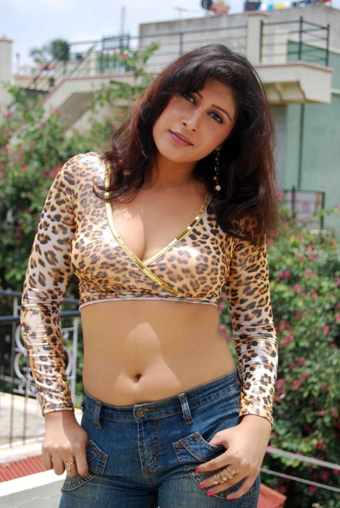 cinesizzlers: Masala Actress From Kannada Film industry