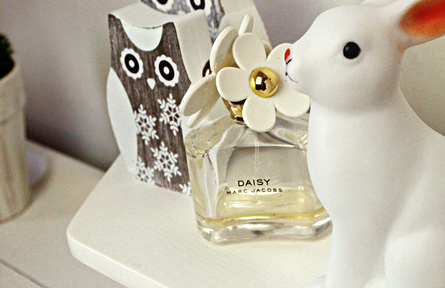 pastel owl, daisy by marc jacobs, bunny urban outffiters lamp, uk fashion blogger, studio tour