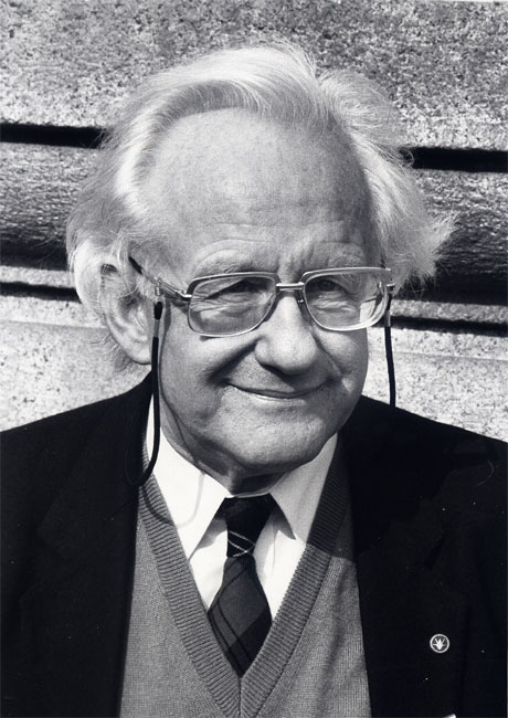 essays peace research Get this from a library essays in peace research / vol 2, peace, war and defense [johan galtung.